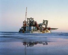 Serie de fotografías de Mitch Epstein para el premio Pictet. Plataforma petrolera marina en Ocean Warwick, Dauphin Island, Alabama