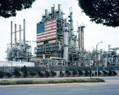 Serie de fotografías de Mitch Epstein para el premio Pictet. Refineria de la BP en  Carson, California.